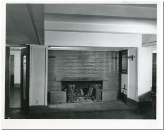 ORIGINAL INTERIOR PHOTOGRAPH OF THE ROBIE HOUSE (CHICAGO), DESIGNED BY FRANK LLOYD WRIGHT]. Frank...